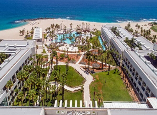 Los Cabos Resorts With Swimmable Beaches