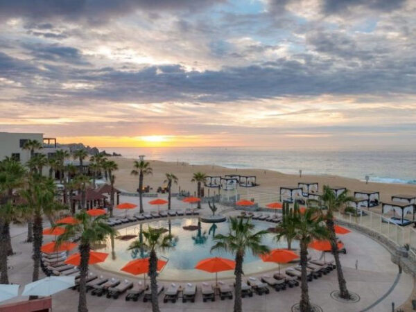 Best Resorts in Cabo for Couples and Singles