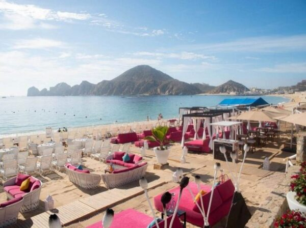Playa el Medano Beach in Cabo San Lucas