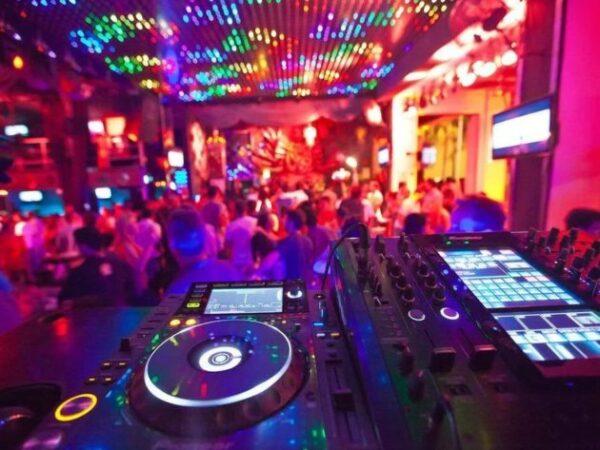 Best Nightclubs in Los Cabos